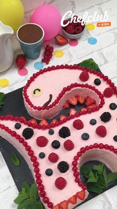 Cake Decorating Techniques, Cake Decorating Tips, Baking Recipes, Dessert Recipes, Delicious Desserts, Yummy Food, Best Bread Recipe, Bon Dessert, Food Carving