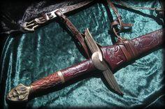 Aut Laurus Aut Spinas - Custom Roman Sword by Fable Blades WW sword?
