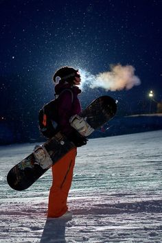 Snowboarding girl iPhone Wallpaper Lifestyle