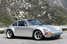 Amazing Porsche 911 restored by Singer