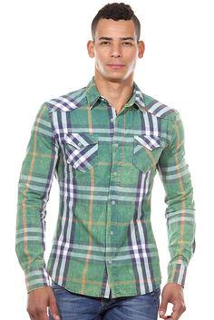Langarmhemd slim fit    Muster bringen frischen Wind in den Kleiderschrank - und Karos sind sowieso immer angesagt. Somit ist dieses coole Hemd von CATCH in lässigem Vintage-Look ein absolutes Must-have. Zu Jeans und Chinos ist es ein zuverlässiger Kombipartner.    - Langarmhemd von CATCH  - trendiges Karo-Design  - schmale Passform  - Kentkragen  - Brusttaschen mit Patte und Knopf  - Ärmel kön...