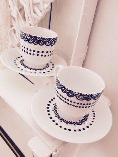 Coppia di tazzine da caffè in porcellana dipinte a mano da me, lavabili anche in lavastoviglie. € 6