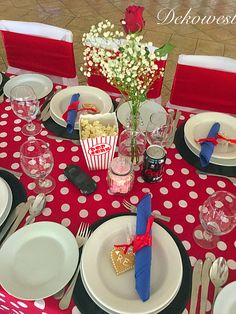 Table Settings, Table Decorations, Retro, Wedding, Furniture, Home Decor, Valentines Day Weddings, Decoration Home, Room Decor