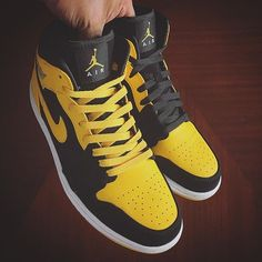 f3846aaae1a2 Another shot of the  Airjordan1 from    kickgame77  shoes  shoe  kicks   instashoes  instakicks  sneakers  sneaker  sneakerhead  sneakerheads   solecollector ...