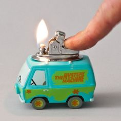Original Scooby Doo Mystery Machine Table Lighter ~ this is really cool. Glass Pipes And Bongs, Cool Lighters, Scooby Doo Mystery, Puff And Pass, Stoner Girl, Light My Fire, Smoking Weed, Light Table, Gadget