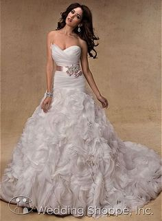Maggie Sottero Jalissa Bridal Gown ~ The Wedding Shoppe