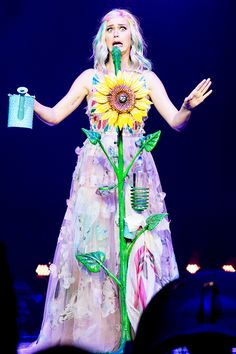 Katy Prismatic World Tour 2014 Her Music, Music Love, Katy Perry Albums, Katy Perry Costume, Prismatic World Tour, Daisy, Crazy Outfits, Teenage Dream, Female Singers
