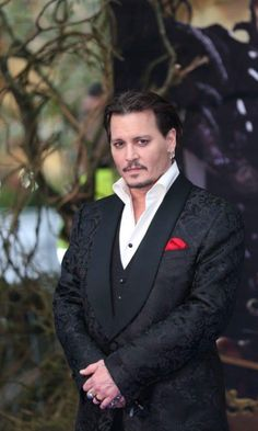 Johnny Depp at the European premier of Alice Through the Looking Glass