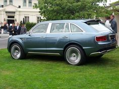 Men like what is big and beautiful: Bentley SUV is big and beautiful.