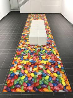 """""""Jelly Bean"""" Teppich Teinacherstraße Gestern haben wir unseren neuen Teppich ausgerollt in unseren zusätzlichen Räumen in der Teinacherstrasse 40: Druck auf PF 400 Messe-Teppich. Wir nennen den Teppich """"jelly beans""""!"""