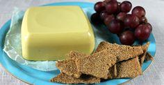 Cashewpähkinäjuusto. Nykyisin ihan perusruokakaupoista löytyy monenlaisia vegaanisia juustoja. Kasvisruokiin erikoistuneista kaupoista valikoimaa löytyy vielä...
