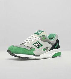 45a0cd9f62da New Balance Blanche 1600 Classique Chaussures Vert Gris Noir