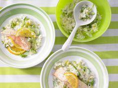 Orangenlachs mit Lauch-Risotto - Familienessen (2 Erw. und 2 Kinder) - smarter - Kalorien: 396 Kcal - Zeit: 45 Min. | eatsmarter.de #eatsmarter #rezepte #rezept #lachs #filet #fisch #raeucherlachs #wildlachs #zuchtlachs #omega-3 #omega #fett #fettsaeuren #gesund #health #lox #fish #orange #lauch #risotto #reis #familienessen