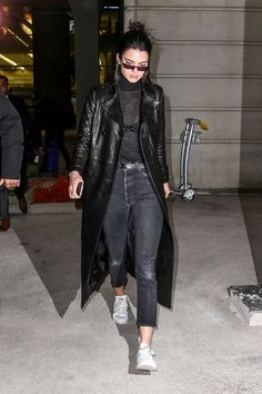 Kendall Jenner at CDG Airport in Paris 02/27/2017. Celebrity Fashion and Style   Street Style   Street Fashion