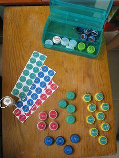 Juego de estampillas con tapas recicladas de refresco - Montessori