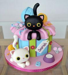 Kitties - Cake by Agnieszka (Cat Cake Ideas) Pretty Cakes, Cute Cakes, Fondant Cakes, Cupcake Cakes, Kitten Cake, Animal Cakes, Novelty Cakes, Girl Cakes, Fancy Cakes