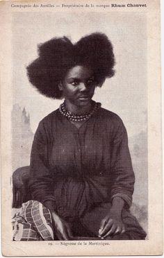 19 - Négresse de la Martinique.   Rhum Chauvet publicity post cards   c1901-1935