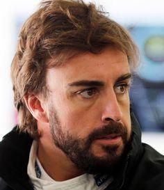 Fernando Alonso 29-07-1981 Spaans tweevoudig wereldkampioen Formule 1-coureur. Hij werd op 25 september 2005 de jongste wereldkampioen Formule 1 ooit met 24 jaar.  Alonso zorgde voor verbazing door de snelheid waarmee hij zijn weg naar de hoogste tak van de autosport wist te vinden. Tot in 1998 is hij actief in de karting, waar hij heel wat successen boekt. https://youtu.be/qxVEr-fXZ5s