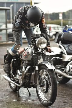 Motobilia — Usual rainy day at ACE CAFE - London by. Crankin over the Goldstar Cafe Racer Motorcycle, Motorcycle Outfit, Motorcycle Girls, Motorcycle Art, British Motorcycles, Vintage Motorcycles, Racing Motorcycles, Triumph Cafe Racer, Triumph Bikes