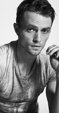 Wilson Bethel (aka Wade Kinsella in Hart of Dixie) Wilson Bethel, Wade Wilson, Julian Wilson, Look At You, How To Look Better, Pretty People, Beautiful People, Beautiful Boys, Wade Kinsella