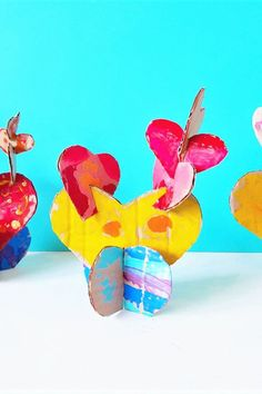 Create a cactus entirely made from hearts! Fun Crafts For Kids, Art For Kids, Warm Vs Cool Colors, Pots Heart, Acrylic Paint Brushes, Recycled Crafts, Creative Thinking, Heart Art, Cool Art
