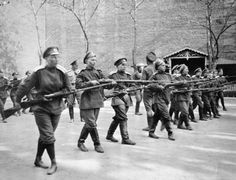"""Members of the Russian Army's women's """"Battalion of Death"""" formed after the February Revolution, training in Petrograd, The Battalion was founded by the Provisional Government, but surrendered to the Bolsheviks, on the night of 7 - 8 October. Russian Revolution 1917, February Revolution, Ww1 Photos, World Conflicts, The Bolsheviks, Old Photography, Imperial Russia, Historical Images, Fotografia"""