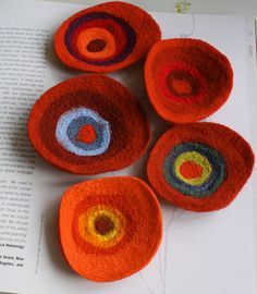 red-family-brooches, felted wool