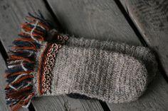 needle-binding-mittens-from-estonia