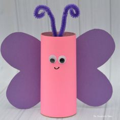 These toilet paper roll crafts are a wonderful method to recycle these usually forgotten paper products You can use toilet paper rolls for anything! The post These toilet paper roll crafts are a wonderful met… appeared first on Pinova - Paper Crafts Easter Crafts For Kids, Toddler Crafts, Preschool Crafts, Diy For Kids, Craft Kids, Children Crafts, Preschool Kindergarten, Toilet Paper Roll Crafts, Diy Paper