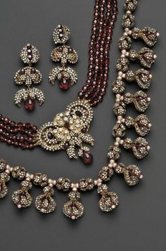 How to Buy Fine Jewelry | Antique Jewelry Auctions