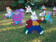A Mad Hatters Tea Party and tons of Alice in Wonderland party ideas and inspiration. Pinterest most pinned party ideas for Alice in Wonderland theme