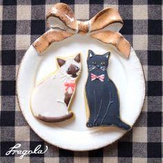 black & white kitty cookies