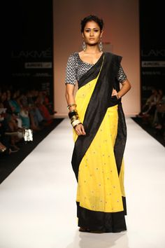 PayalS3  : love the yellow and black combination on this look