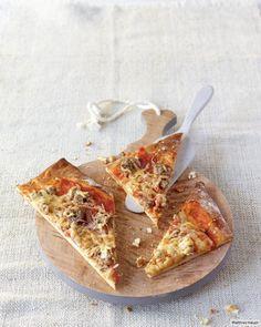 Mett-Zwiebel-Pizza Rezept - ESSEN & TRINKEN