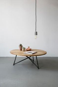 Table basse contemporaine Berlin en chêne Round coffee table in solid wood and steel, handcrafted by Iron Coffee Table, Coffee Tables For Sale, Coffee Table Design, Home Furniture, Furniture Design, Steel Table, Interior Design, Home Decor, Steel Sofa