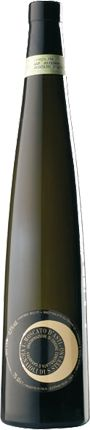 Moscato d'Asti Vignaioli di S. Stefano DOCG. A sweet white wine; par excellence in dessert wine. Straw-yellow in color, of varying intensity depending on the vintage, it has an intensely fruity and characteristically aromatic nose with a nice persistency