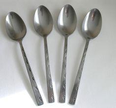 "4 vtg Viners Executive Suite dessert spoons stainless steel Korea 7⅛"" 18 cm"