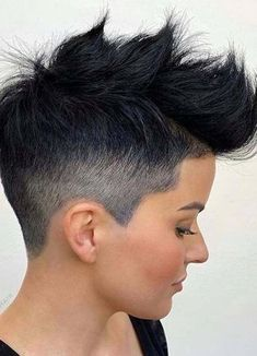 Are you browsing for latest short pixie haircuts for bold hair looks? Here we have made a collection of awesome pixie haircut styles according to latest short hair looks in 2020. Shampoo For Curly Hair, Curly Hair Cuts, Short Hair Cuts, Short Hair Styles, Short Pixie, Asymmetrical Hairstyles, Funky Hairstyles, Short Hairstyles For Women, Pixie Haircut Styles