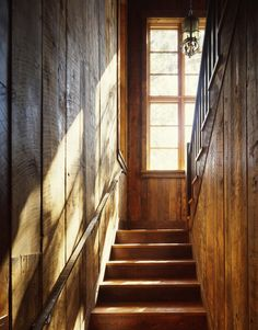 Staircase Barn Board Design, Pictures, Remodel, Decor and Ideas Old Hickory Furniture, Rustic Staircase, Headboard Decor, Old Barn Wood, Hall Design, Set Design, Lodge Style, Inspired Homes, Stairways