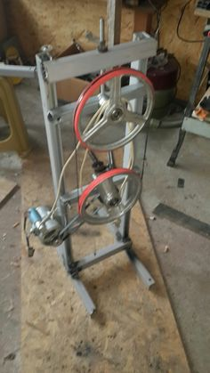 Diy Bandsaw, Bandsaw Projects, Bandsaw Mill, Easy Woodworking Ideas, Woodworking Projects That Sell, Woodworking Tools, Antique Tools, Old Tools, Saw Mill Diy