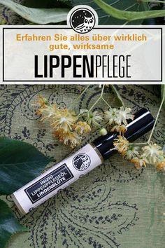 Gerade wenn es wieder kälter wird, sind die Lippen oft spröde, trocken und rissig. Viele Lippenpflegeprodukte helfen aber gar nicht. Die einzigartige Formel mit Lindenblüte und pflegenden Pfanzenölen sorgt hingegen nachhaltig für streichelzarte, gesunde Lippen. Rissige Lippen werden intensiv gepflegt, ohne sie dabei einen unangenehmen Film zu hinterlassen. Wirklich wirksame Bio-Lippenpflege für weiche Lippen! #bestelippenpflege #lippenpflegetipps #trockenelippen #mittelgegentrockenelippen Film, Smooth Lips, Chapped Lips, Dry Lips Remedy, Lip Care Tips, Critical Care, Natural Skin Care, Healthy Skin, Organic Beauty