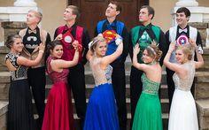 Você precisa ver esses estudantes que se vestiram de super-heróis para a formatura! - Moda - CAPRICHO