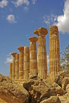Temple d'Hercule à Agrigente. La Sicile, allez-y de toute urgence !...