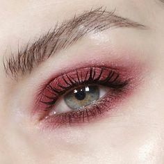 Beautiful Pomegranate Eyeshadow lool
