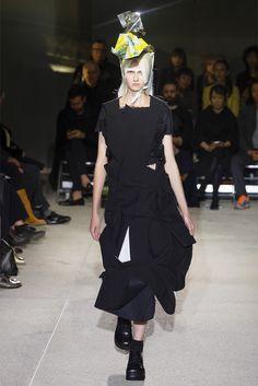 Comme des Garçons Parigi - Spring Summer 2013 Ready-To-Wear - Shows - Vogue.it