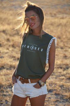 Diy Fashion, Teen Fashion, Womens Fashion, Savage Shirt, Creation Couture, T Shirt Diy, Personalized T Shirts, Diy Clothing, Casual Elegance