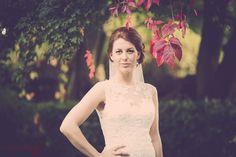 De fleste brude kan spare penge ved at lægge deres egen bryllupsmakeup De fleste brude kan spare penge ved at lægge deres egen bryllupsmakeup.Din forlovede elsker dig og synes du er smuk. Han har sikkert set hvordan du ser ud …