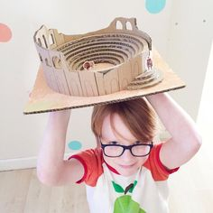 Craft / Building A Roman Amphitheatre - An great way to build a roman amphitheatre for kids. Easy instructions for a great school project. History Projects, School Projects, Projects For Kids, Rome Activities, Blue Peter Presenters, Greek Model, Kids Homework, Making A Model, Roman Art