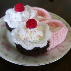 CROCHET PATTERN Lil' Cupcake Baby Shoes - Pattern PDF
