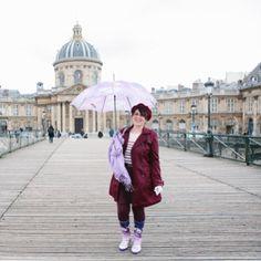 LOOKS 🎀 🌸Blossom in the Rain ☔️ Même sous la pluie, on peut essayer d'être girly 😉 Je porte ici mes bottes de pluie Aigle de sa collaboration avec les jardineries Truffaut, une vraie petite merveille fleurie comme j'aime et comme toujours, d'un confort absolu. Merci à mon adorable et talentueuse photographe et amie @isa_rocha_lens qui a réalisé ces jolies photos, une mise en lumière parfaite de Paris et de l'image Parisienne Girly 🙏🏻😘⚓️ . #VerasOutfits . . . #paris #parisjetaime…